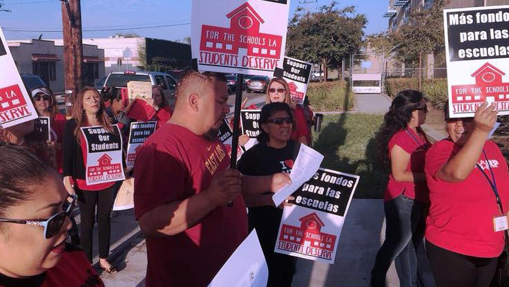 Fourth Street Primary Picketing